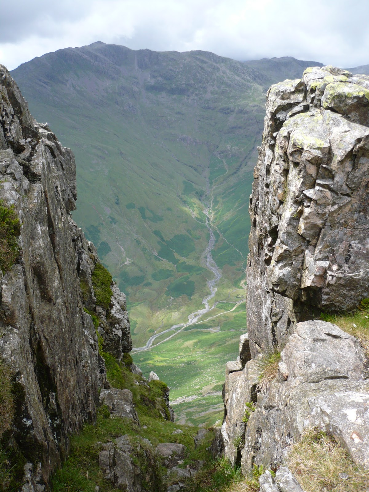 Hartsop hall cottages 171 walking holiday cottages walking - Rossett Gill Across The Valley From Pike O Stickle