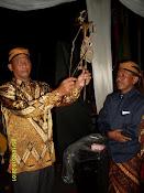 H.Suyatno dan Wayang
