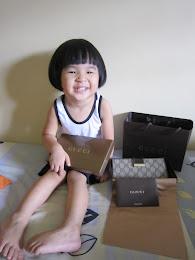 new gucci wallet...thx my dear^^
