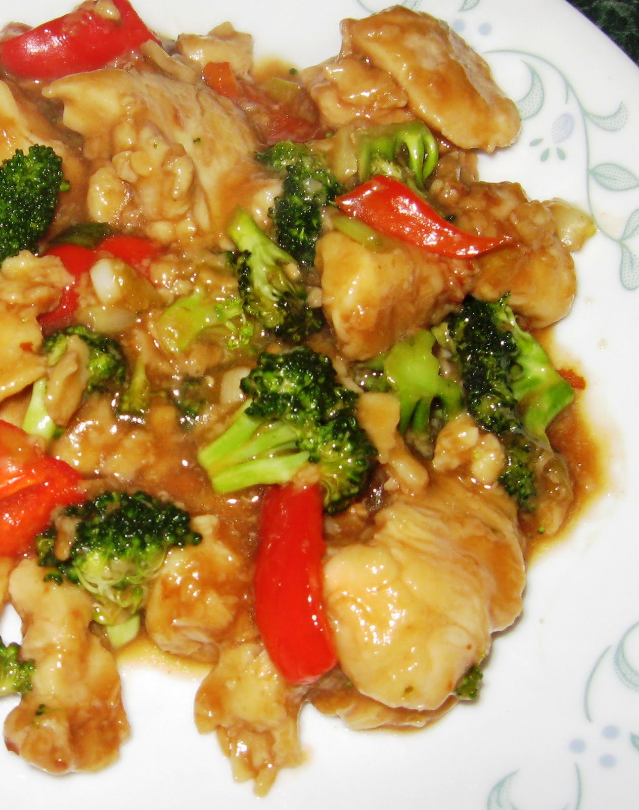... Does Dinner... Healthy & Low Calorie: General Tso's Chicken Stir Fry