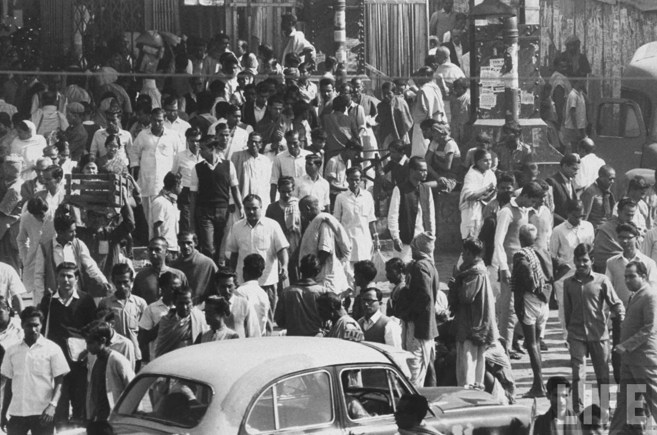 Calcutta (Kolkata) Busy Street - December 1970