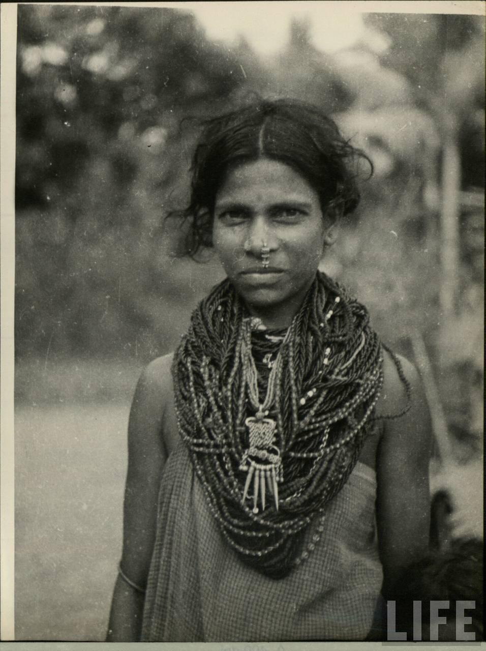 Temple Jewellery | Vintage india, Vintage fashion