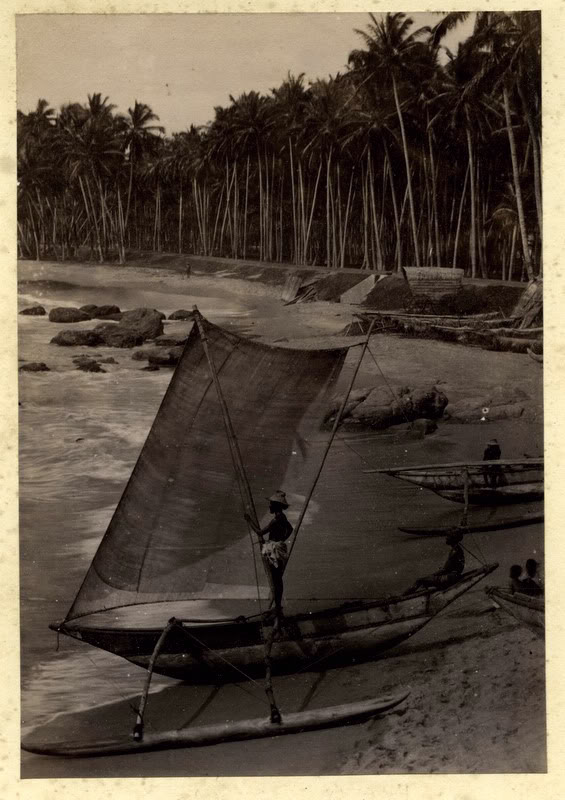 c.1880%2527s+PHOTO+INDIA+CEYLON+SAILBOATS+ON+BEACH
