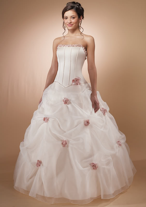 Gorgeous wedding dress gorgeous pink wedding dress for Wedding dresses with roses on them