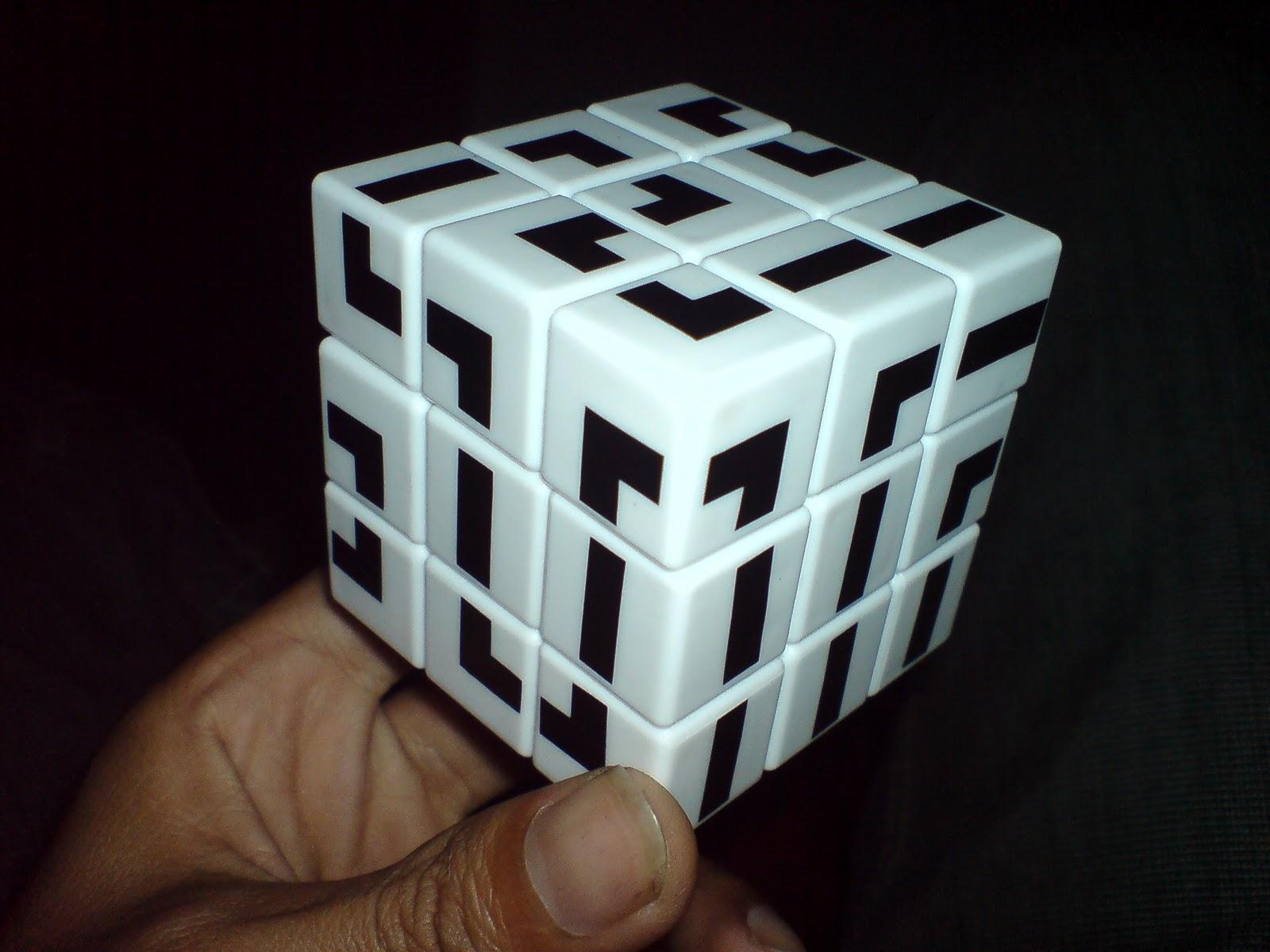 My Collection Twisty Puzzle Rubik  3x3 Kesebelas Gc Maze Black White Gunth Custom Niatnya Sih Mau Beli Stiker Yang Banyak Di Jual Onlinetrus Rubiknya Murah