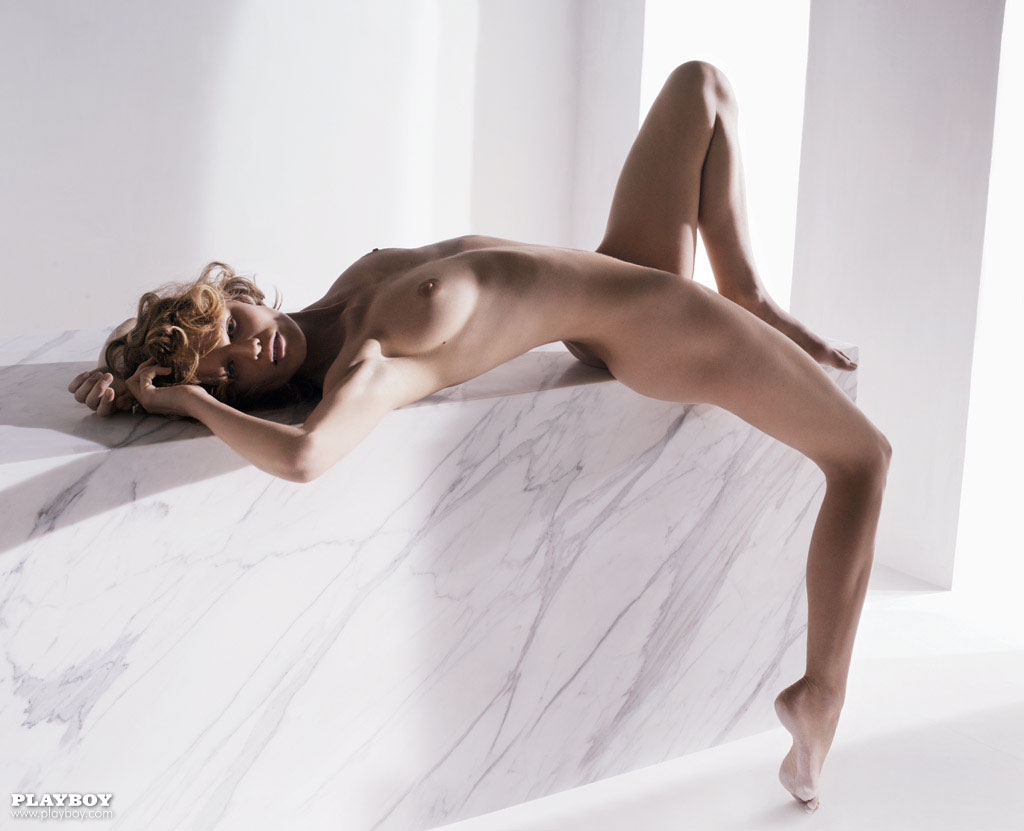 http://1.bp.blogspot.com/_pGTlBw_z2AM/TOhDJt_H_bI/AAAAAAAABHw/KahMABYfWOE/s1600/Eva+Herzigova+nude+nackt+nue+Playboy+03.jpg