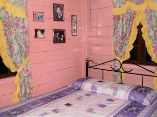 Bilik tidur saya yang saya khaskan untuk Kak NB dan Qaisara, hanya