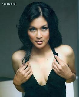 Sandra Dewi Sexy On FHMid=