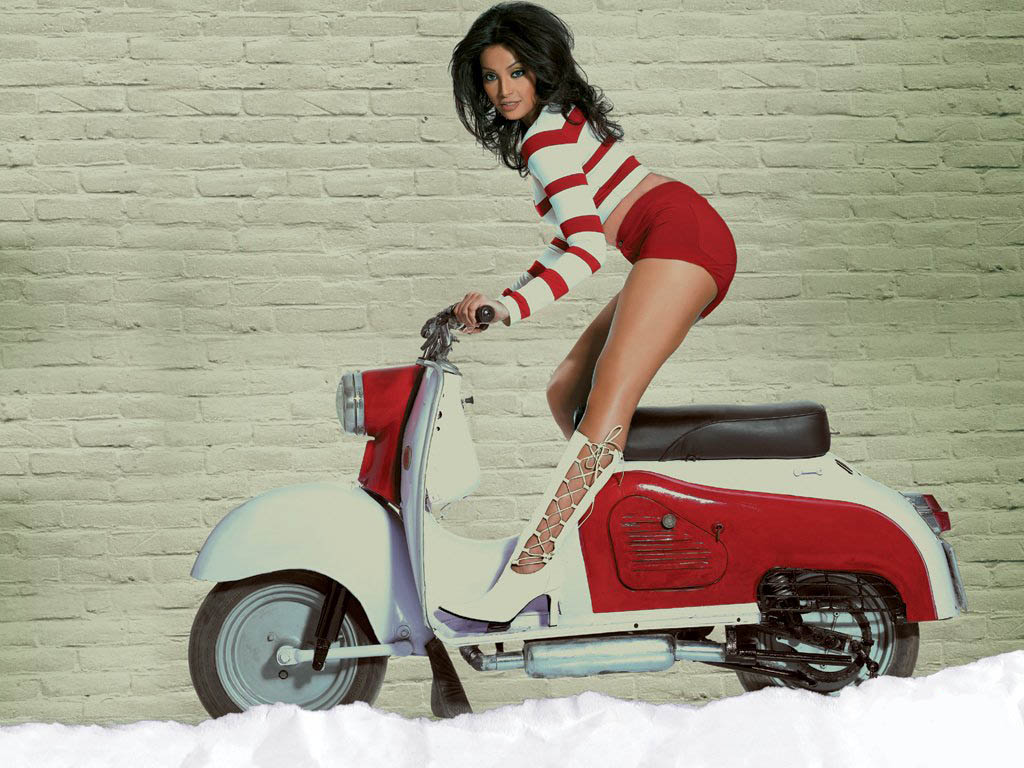 bipasha basu on a scooter 1535 We still don't have jetpacks or laser guns, but this three wheel electric ...