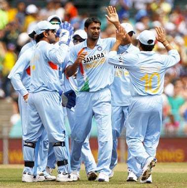 Praveen kumar  jpgIndian Cricket Team Wallpapers 2009