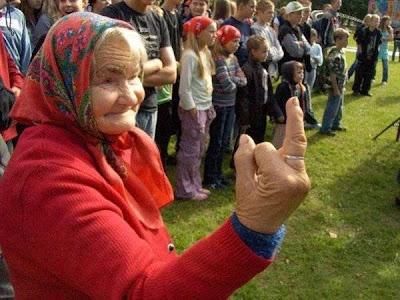 smiješne slike besplatne sličice download bakice srednji prst