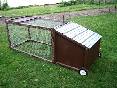 Artisan designs the new urban mobile backyard chicken coop for Mobile chicken coop plans