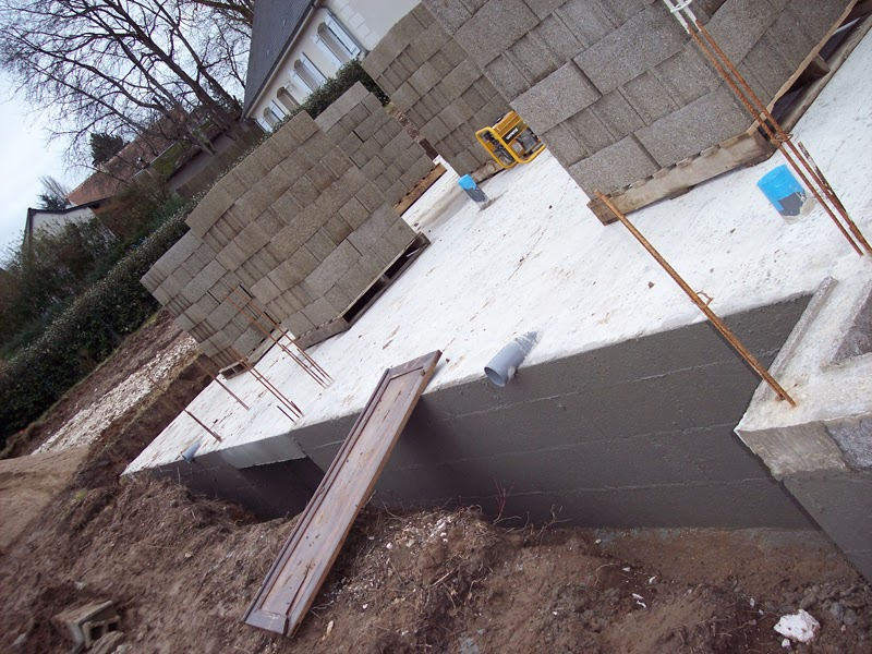 Notre maison en autoconstruction parpaing pour le montage for Construction maison parpaing