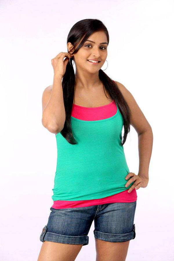 prettY actress ramya