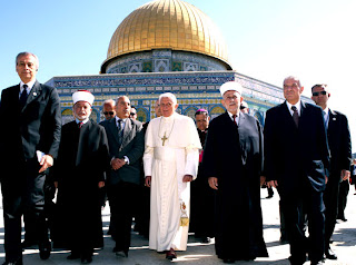 Pope Benedict XVI at the the Dome of the Rock at the the al-Aqsa Mosque compound in Jerusalem's Old City picture