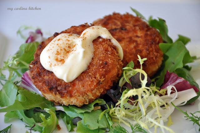 Salmon cakes with wasabi mayonnaise - a delicious twist on crab cakes