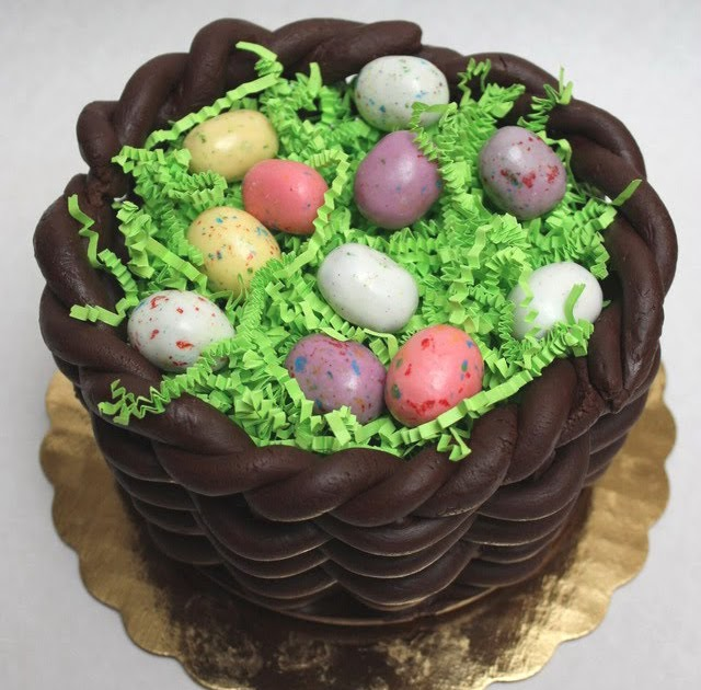 """Adventures In Cake Decorating Or """"Hey, I Can Do That!"""""""