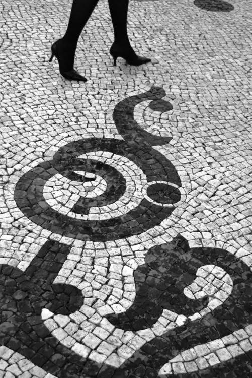 [calcada_portuguesa.jpg]