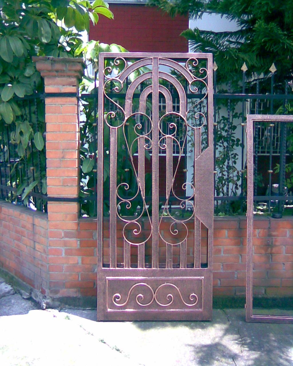 Herreria hector octubre 2010 for Modelos de rejas de fierro para puertas