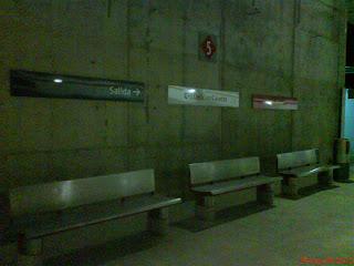 interiores Andenes estación cercanías Miraflores Zaragoza