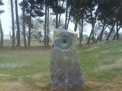 Monumento scaut Zaragoza pinos piñoneros Canal Imperial de Aragón escultismo