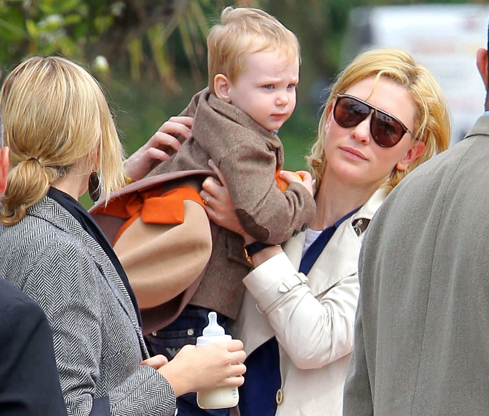 http://1.bp.blogspot.com/_pXNLY6HB8eU/S-nEgVBMC5I/AAAAAAABY_0/2pZ_e_b3bBU/s1600/Cate_Blanchett_May11_0302main.jpg