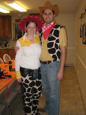 Jessie and Woody Costumes Homemade http://stephandbran.blogspot.com/2009/10/happy-halloween.html