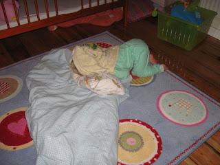 kuper pod ręcznikiem