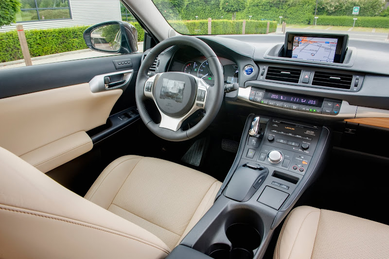 NEW CT 200h's Lexus Hybrid Drive