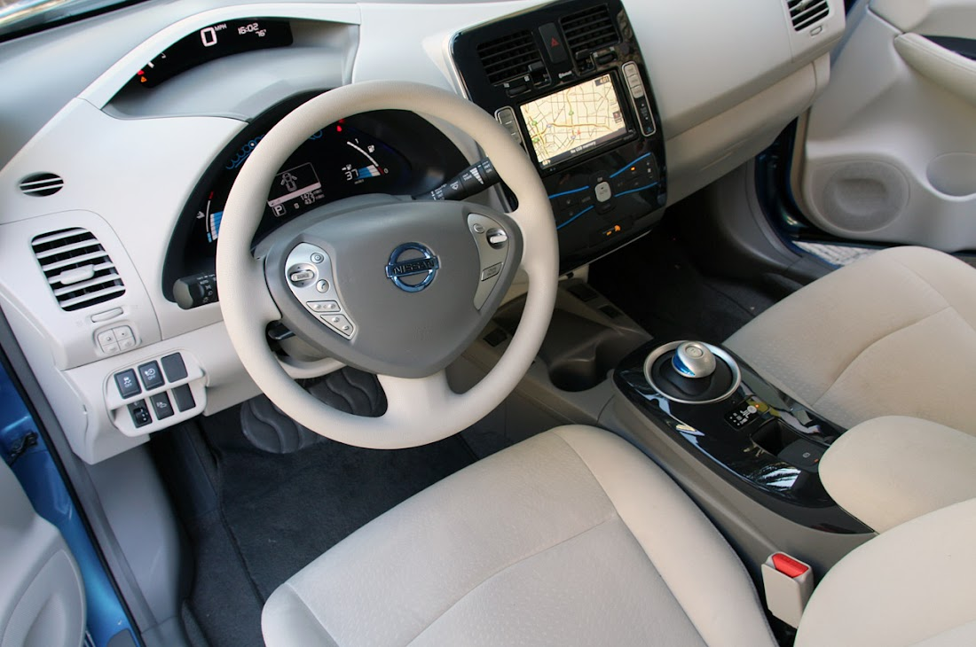 2011 Nissan Leaf Interior Design