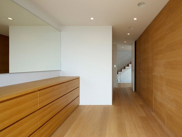Minimalist RA House Design by Baqueratta
