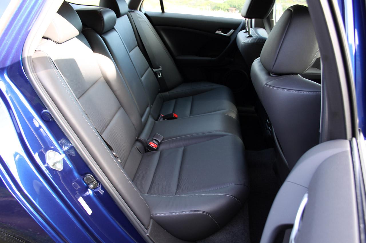 2011 Acura TSX Sport Wagon HD Wallpaper