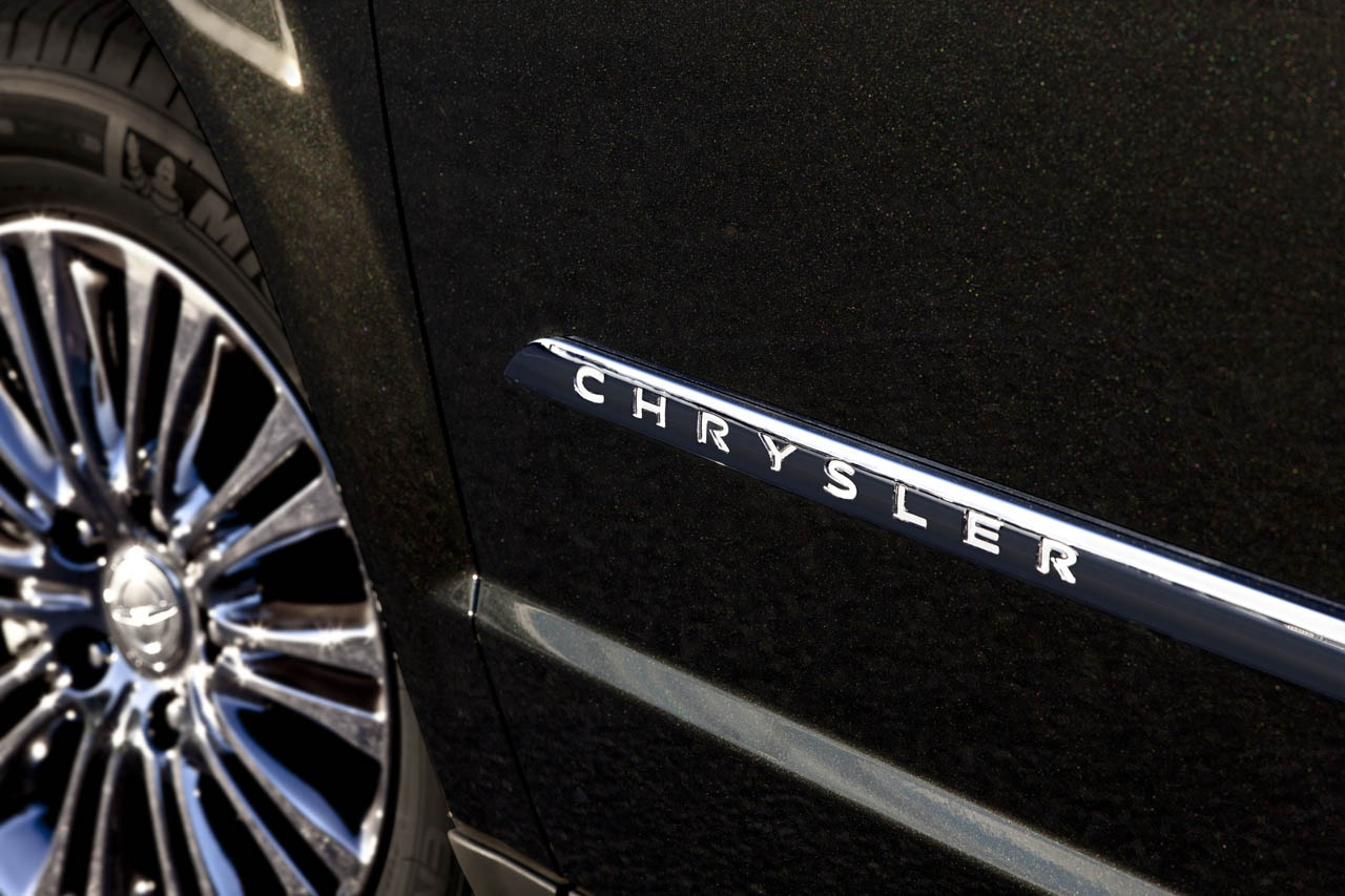 2012 CHRYSLER TOWN AND COUNTRY DESIGN