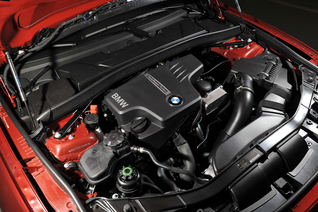 BMW X1 2.0 TURBOCHARGED FOUR CYLINDER ENGINE DESIGN