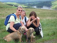 Seonaid, Ruth, Emma, Angus & Katie on the Pentland Hills