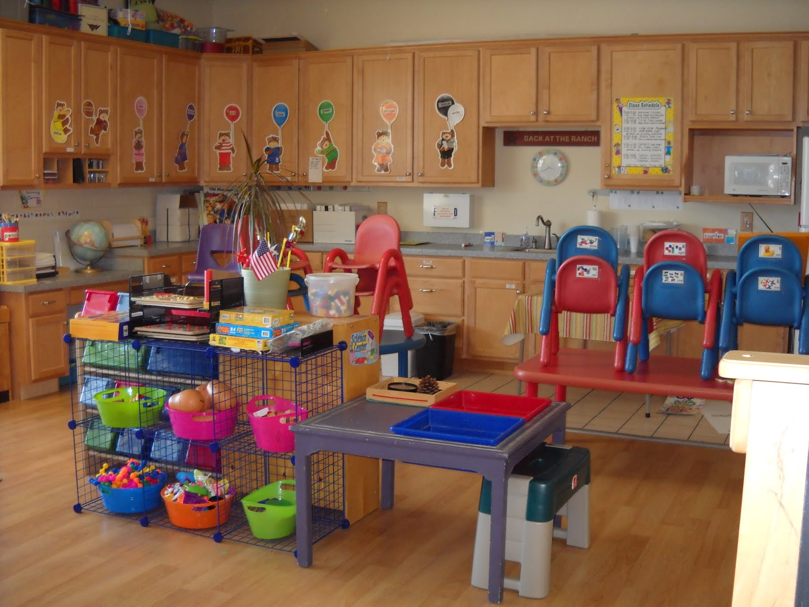 Preschool layout the house decorating Dacare room designs