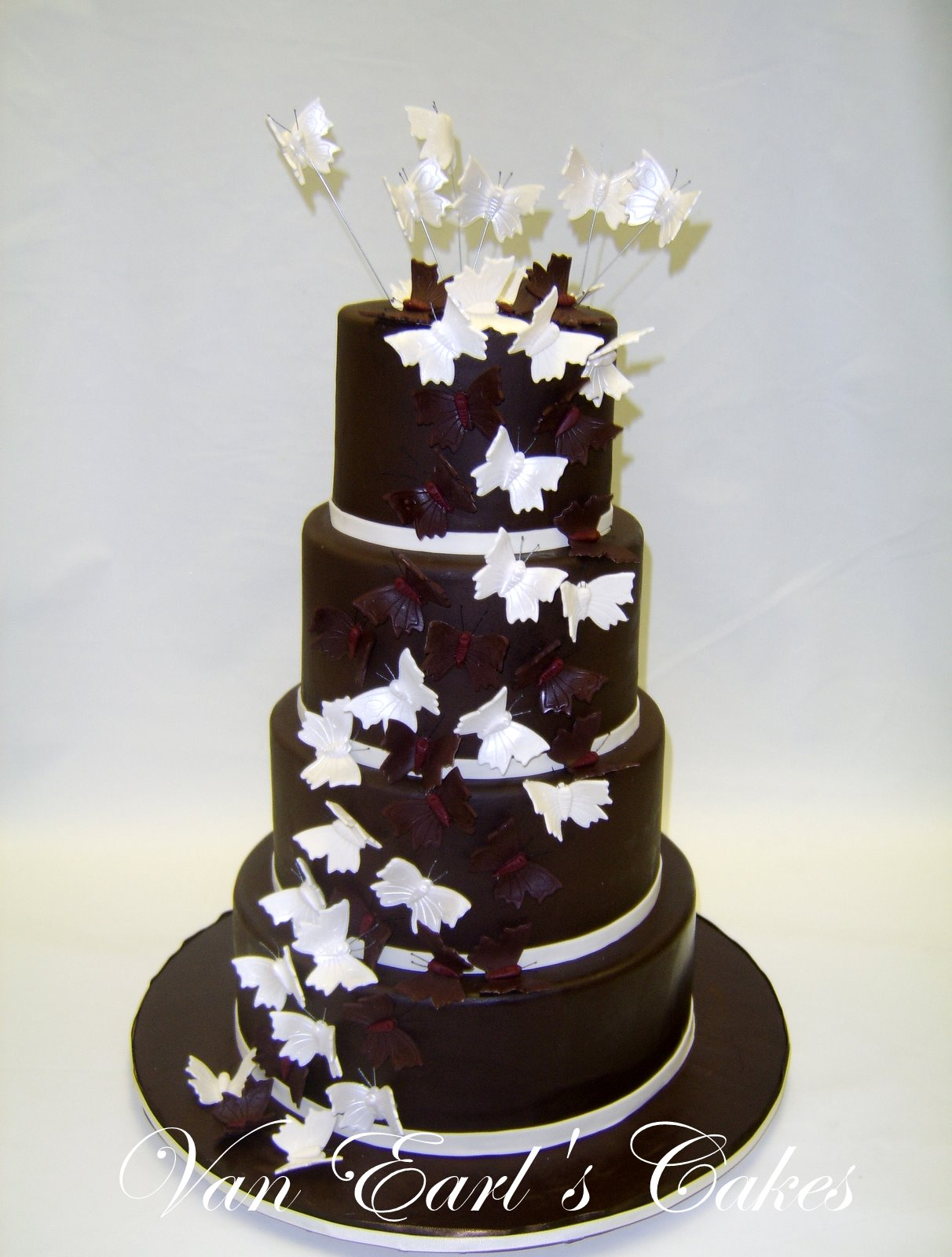 Latest Wedding Fashion Chocolate Wedding Cakes For Your Big Day