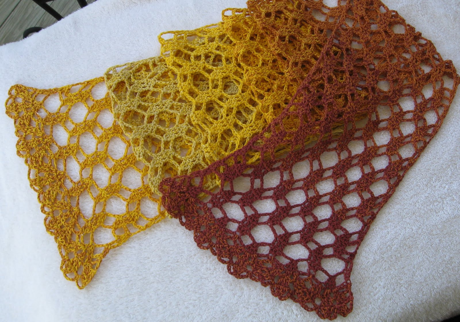 see i do still work with yarn and very lovely yarn it is too