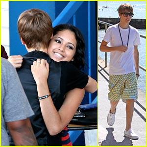 Jasmine Villegas  Justin Bieber on Justin Bieber Jasmine Villegas Hugging Photo