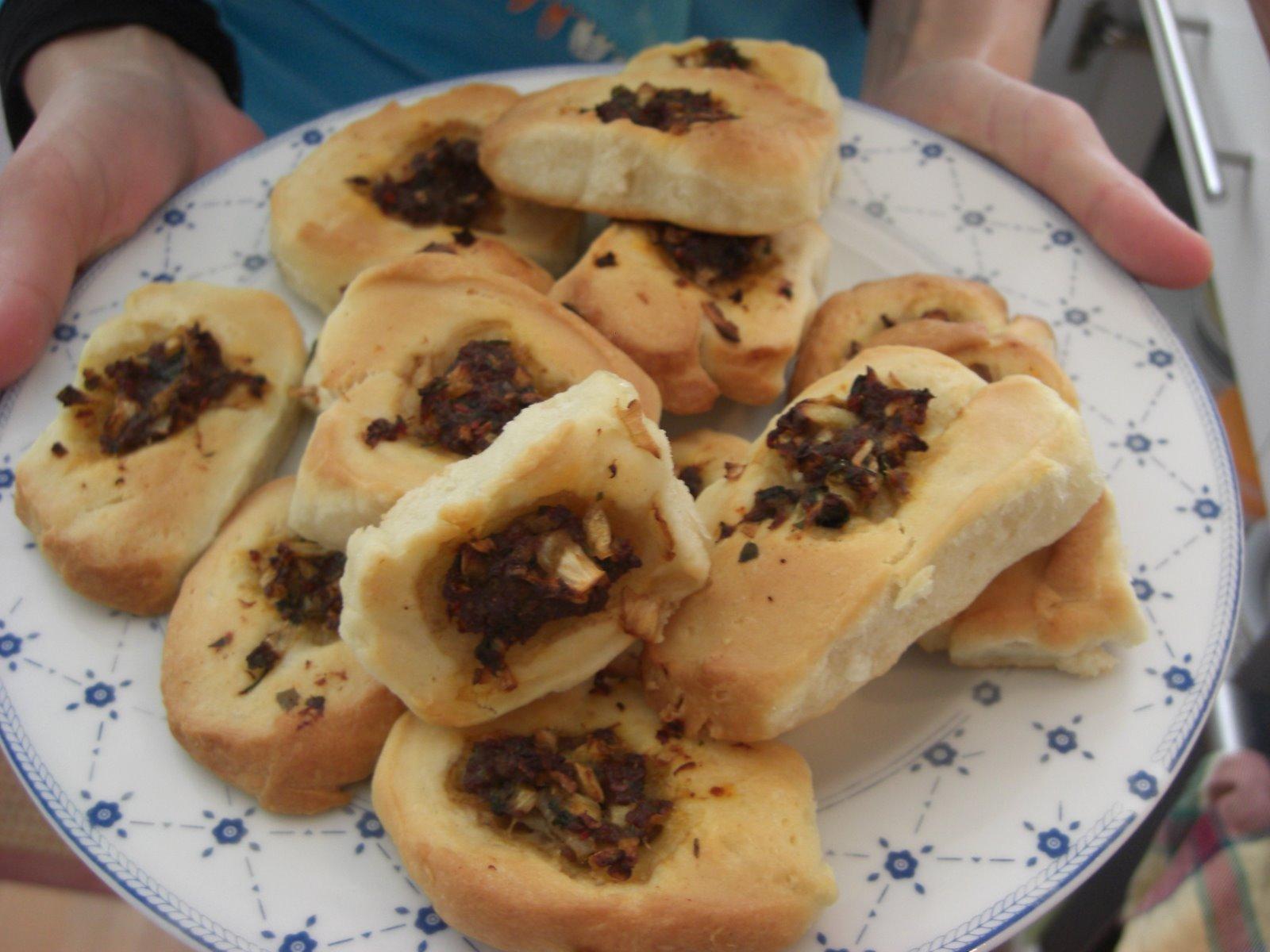 Etli bayındır ekmeği tarifi(resimli anlatım)