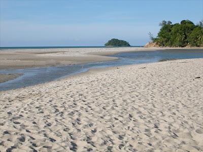 Sakom Beach