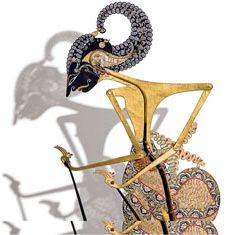 Seni pewayangan yang merupakan seni pakeliran dengan tokoh utamanya Ki Dalang adalah suatu bentuk seni gabungan antara unsur seni tatah sungging (seni rupa) dengan menampilkan tokoh wayangnya yang diiringi dengan gending/irama gamelan, diwarnai dialog (antawacana), menyajikan lakon dan pitutur/petunjuk hidup manusia dalam falsafah.