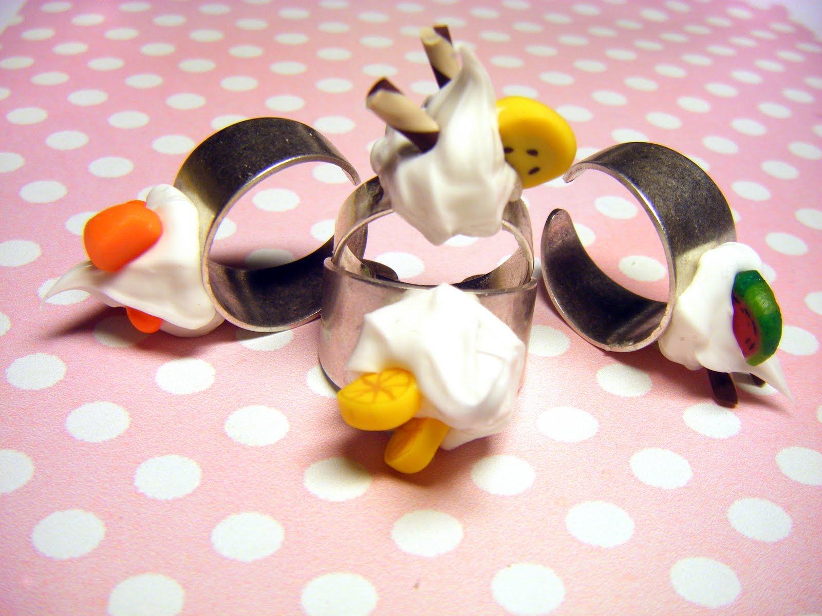 http://1.bp.blogspot.com/_pcI8E6ljD8M/TBZ8ZPJoB-I/AAAAAAAAASU/tmVmJH-hsN4/s1600/Whipped+Cream+Rings.jpg
