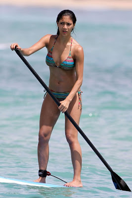 Nicole Scherzinger Pictures in bikini beach vacation candids