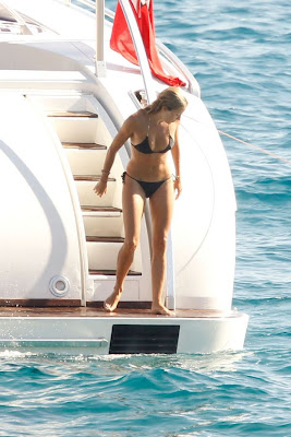 CELEBRITY MODEL Sienna Miller Bikini beach Pics from vacation at Ibiza