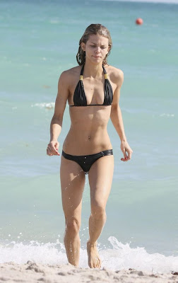 Hollywood Actress Annalynne Mccord Bikini Pics From Beach
