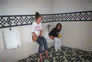 cewek bak di toilet cowok