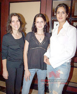 Bollywood Actresses And Actors: Katrina Kaif Family