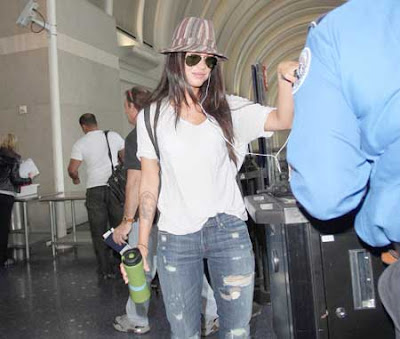 Megan Fox Hat Pictures