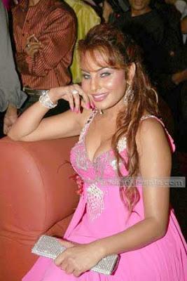 Needhi Gill Item Girl